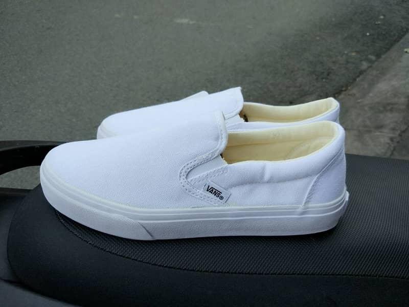 giày vans lười trắng
