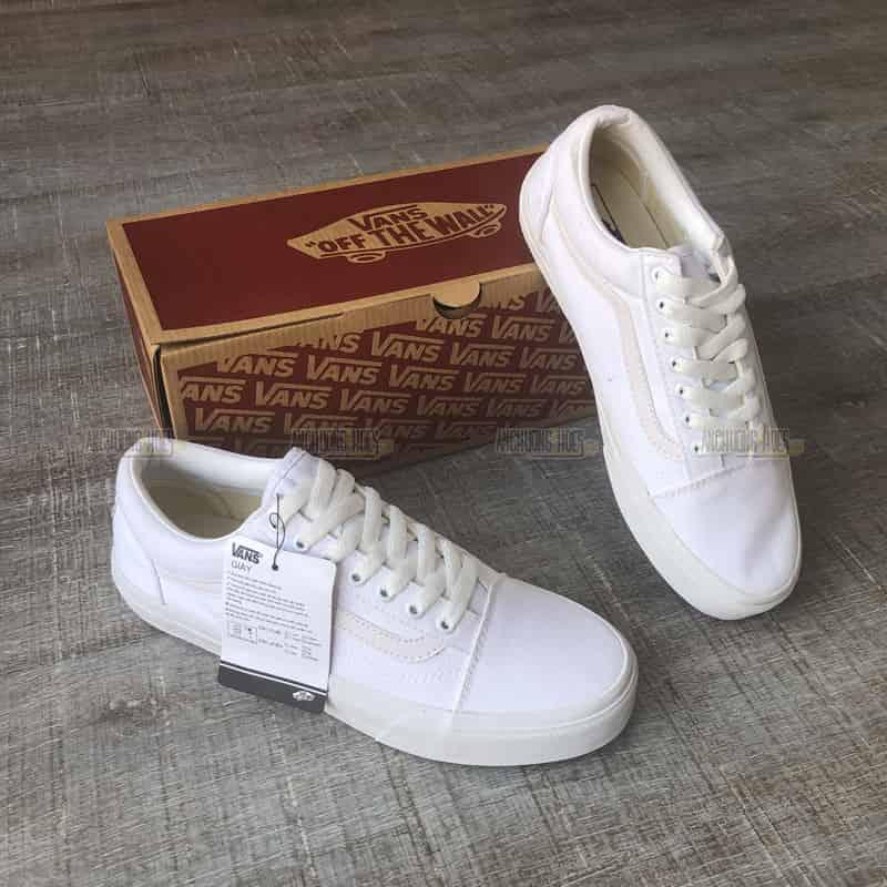 giày vans trắng sọc trắng