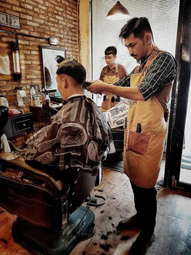 tiệm cắt tóc nam 4rau barber
