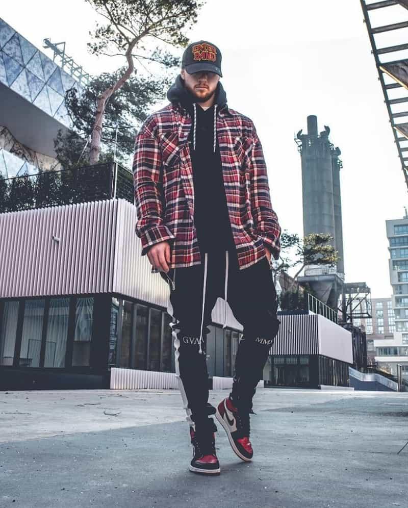 Phối đồ với giày Jordan 1 High theo phong cách Layer