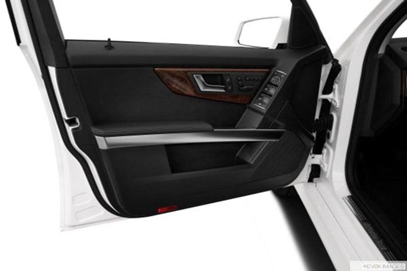 Cửa hít tự động là một món đồ chơi đáng để trang bị trên Mazda