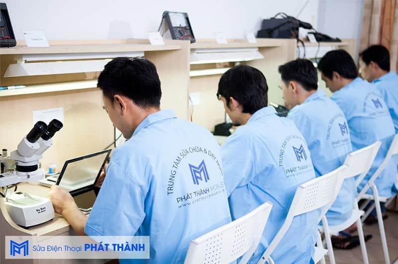 Phát Thành Mobile là một tiệm sửa điện thoại uy tín tại TPHCM