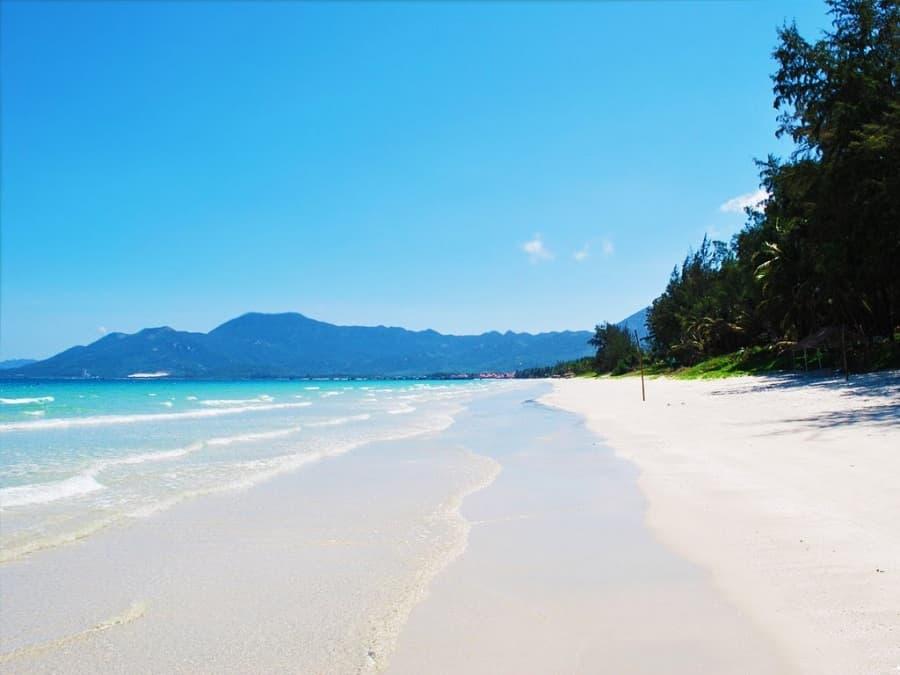 Bãi Dốc Lết là một bãi biển đẹp ở nha trang