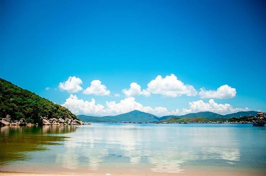 Sơn Đừng là một trong những bãi biển đẹp ở nha trang